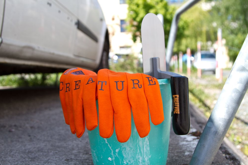 Creature C.C.M.U. Gloves & Trowel