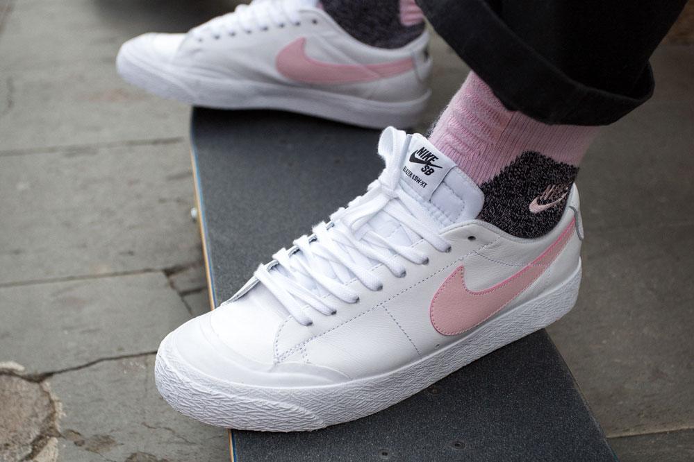 Nike SB Bruin Pink Motel Colourway